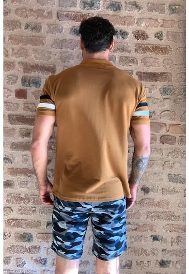 Trendyol Galléros póló kontrasztos részletekkel férfi