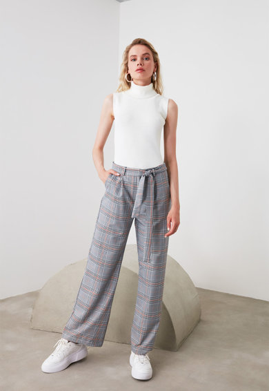 Trendyol Bő szárú kockás nadrág női