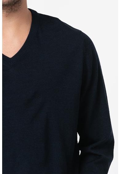 GAP Вълнен пуловер с шпиц Мъже