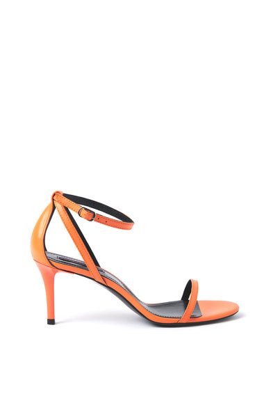Traces of Heels Sandale de piele cu toc si barete multiple Femei