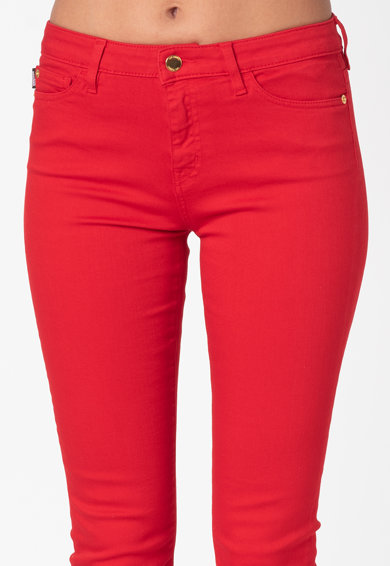 Love Moschino Прилепнали дънки със сърцевидни джобове Жени