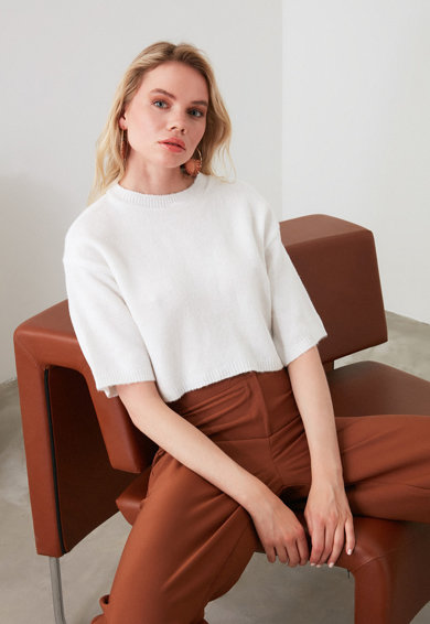 Trendyol Pulover crop din tricot fin cu maneci cazute Femei