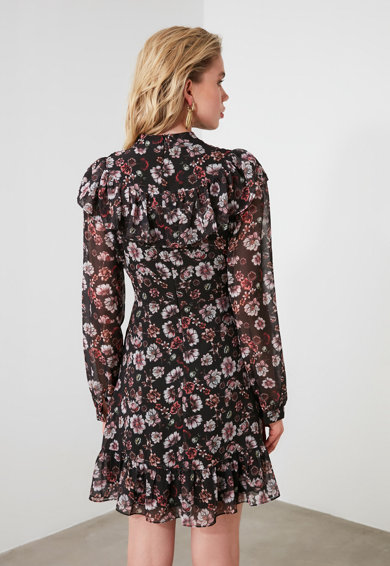 Trendyol Къса рокля с флорален десен Жени