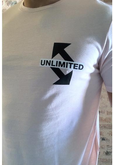 Trendyol Тениска с овално деколте и фигурална щампа Мъже