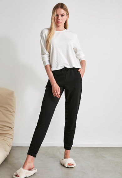 Trendyol Pantaloni de pijama cu snururi pentru ajustare Femei