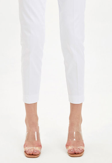 DeFacto Pantaloni crop conici Femei