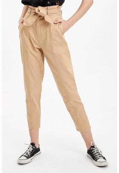 DeFacto Pantaloni conici crop Femei