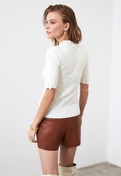 Trendyol Bluza striata cu margini valurite Femei
