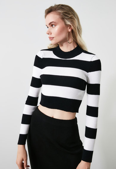 Trendyol Pulover in dungi cu model crop Femei