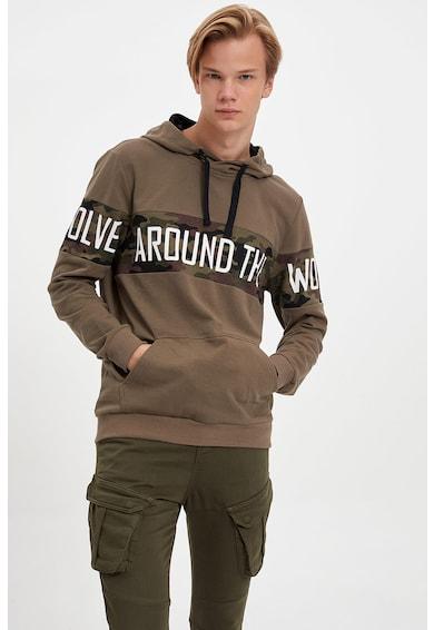 DeFacto Terepmintás szűk fazonú pulóver felirattal férfi