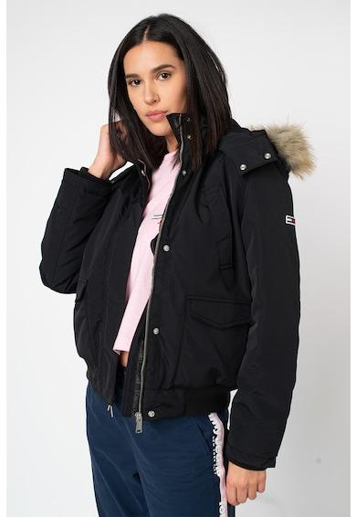 Tommy Jeans Pihével bélelt szűk szabású kapucnis bomberdzseki női