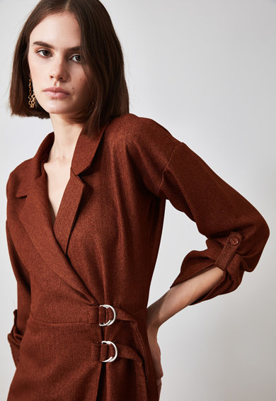 Trendyol Átlapolt fazonú ruha hajtókás gallérral női