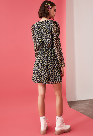 Trendyol A-vonalú virágmintás ruha női