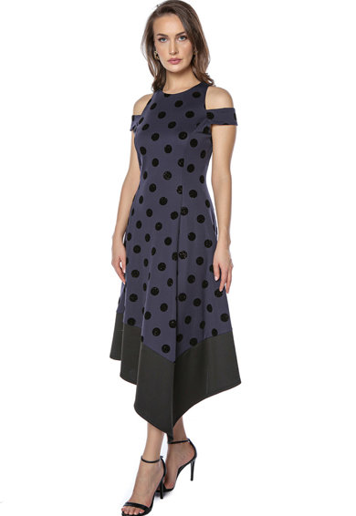 Miss One Kivágott vállú ruha aszimmetrikus alsó szegéllyel női