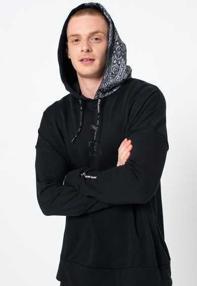 Puma Kapucnis pulóver etno mintás részletekkel férfi