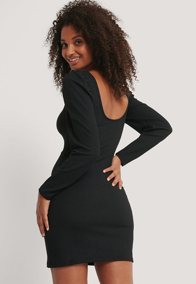 NA-KD Szűkített fazonú ruha puffos ujjakkal női