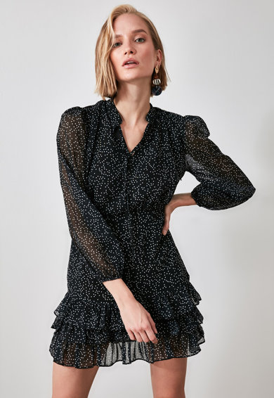 Trendyol Bővülő miniruha rétegzett fodros alsó szegéllyel női