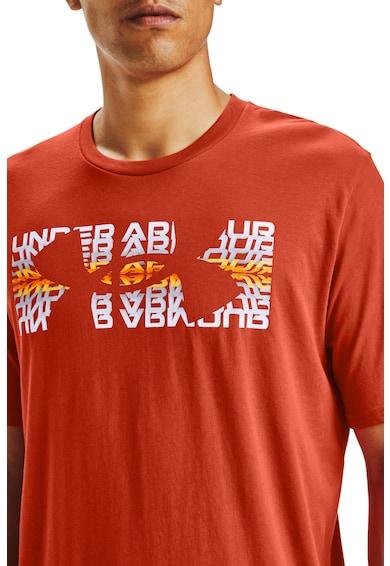 Under Armour Repeat sport póló logóval férfi