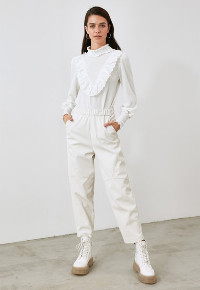 Trendyol Bluza cu guler scurt si volane Femei