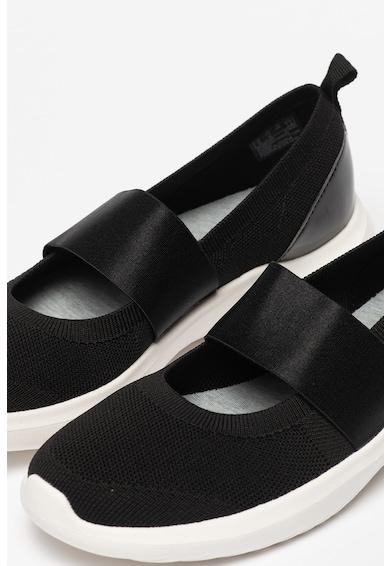Clarks Pantofi slip-on de plasa Nova Sol Femei