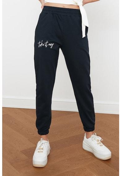 Trendyol Pantaloni sport cu text brodat Femei