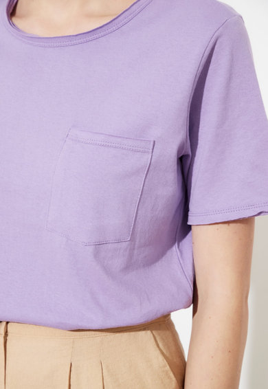 Trendyol Tricou cu decolteu la baza gatului si buzunar pe piept Femei