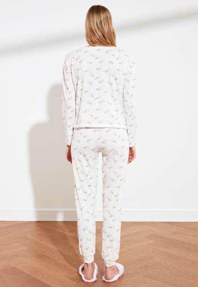 Trendyol Pijama cu maneci lungi si model grafic Femei