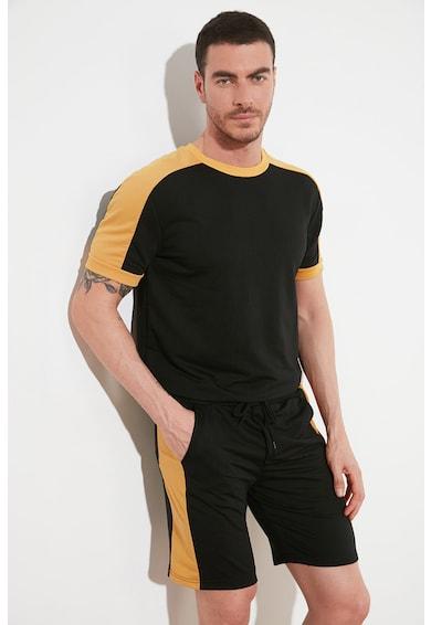 Trendyol Set de tricou si pantaloni scurti - 2 piese Barbati