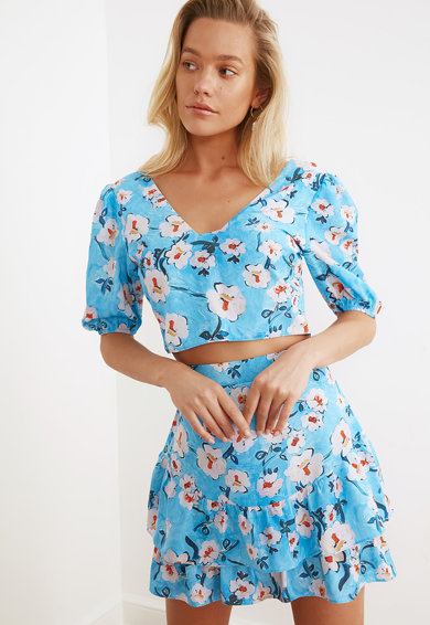 Trendyol Set de bluza crop cu imprimeu floral si fusta - 2 piese Femei