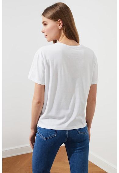 Trendyol Tricou cu decolteu la baza gatului si aplicatie pe piept Femei
