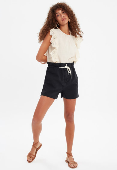 Trendyol Pantaloni scurti din denim cu talie inalta si snur Femei