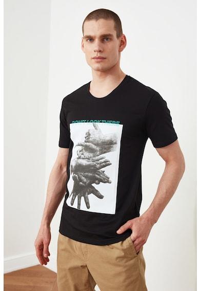 Trendyol Tricou cu decolteu la baza gatului si imprimeu foto Barbati