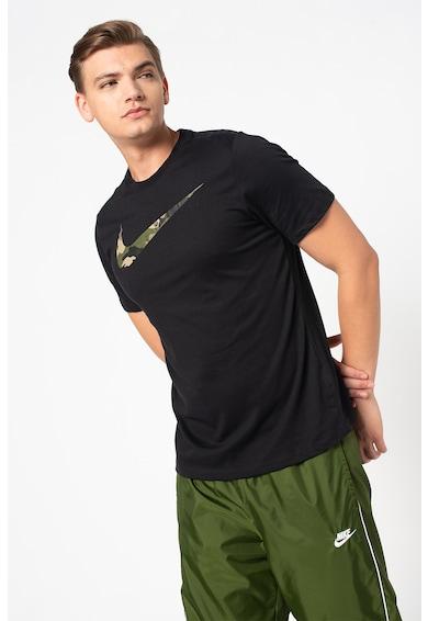 Nike Tricou cu logo camuflaj pentru antrenament Dri-Fit Barbati