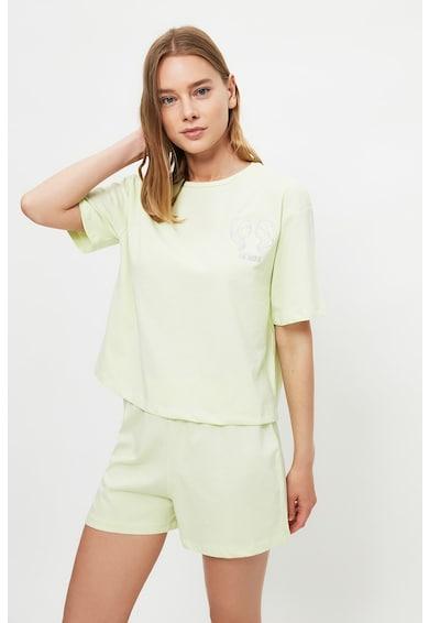 Trendyol Pijama cu pantaloni scurti din jerseu cu semn zodiacal brodat Femei
