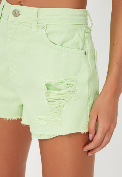 Trendyol Pantaloni scurti din denim cu detalii cu aspect deteriorat Femei