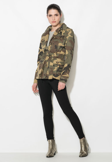 Zee Lane Denim Jacheta militara verde militar cu maro si imprimeu camuflaj Femei