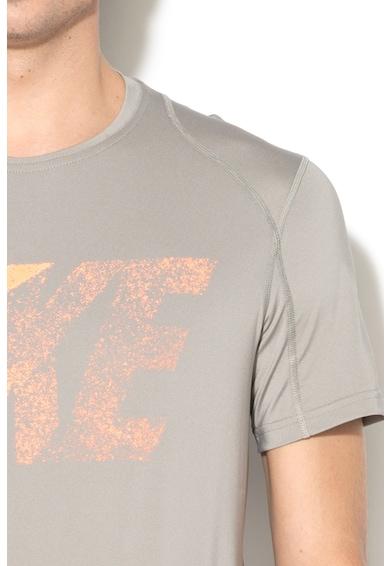 Nike Kereknyakú Sportpóló Logós Rátéttel férfi