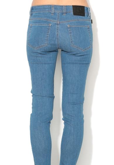 Love Moschino Jeansi conici albastru prafuit cu detaliu multicolor Femei
