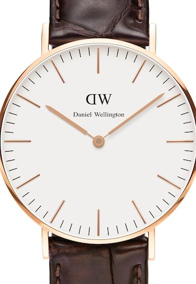 Daniel Wellington Ceas auriu rose cu o curea maro inchis din piele Femei