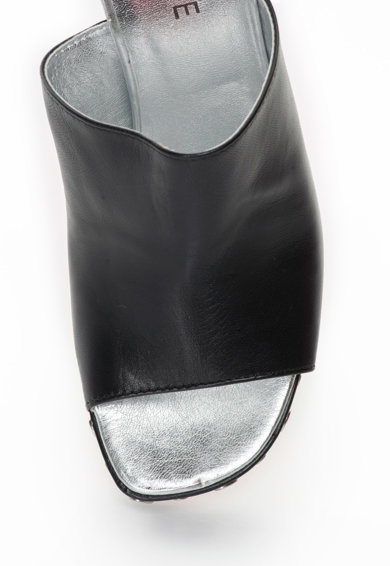 Zee Lane Papuci de piele cu nituri metalice Alaska Femei