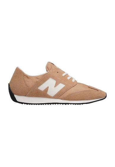 New Balance Unisex cipő nyersbőr szegélyekkel női