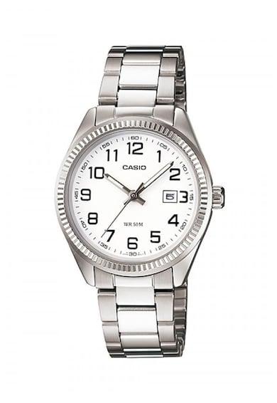 Casio Часовник с метална верижка Жени