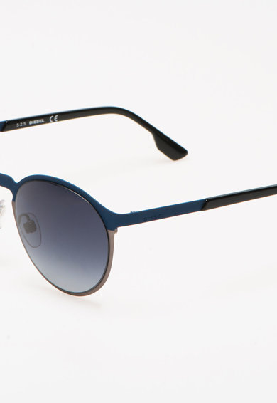 Diesel Овални слънчеви очила Жени
