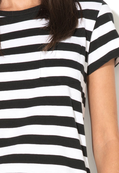 Levi's Tricou in dungi cu buzunar pe piept Femei