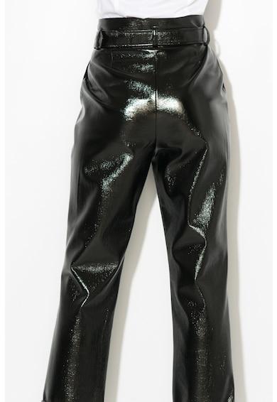 Zee Lane Collection Pantaloni cu aspect peliculizat si curea de piele sintetica Femei