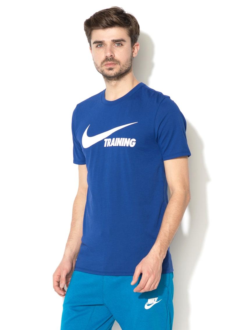 Tricou athletic cut cu imprimeu logo cauciucat – pentru fitness de la Nike