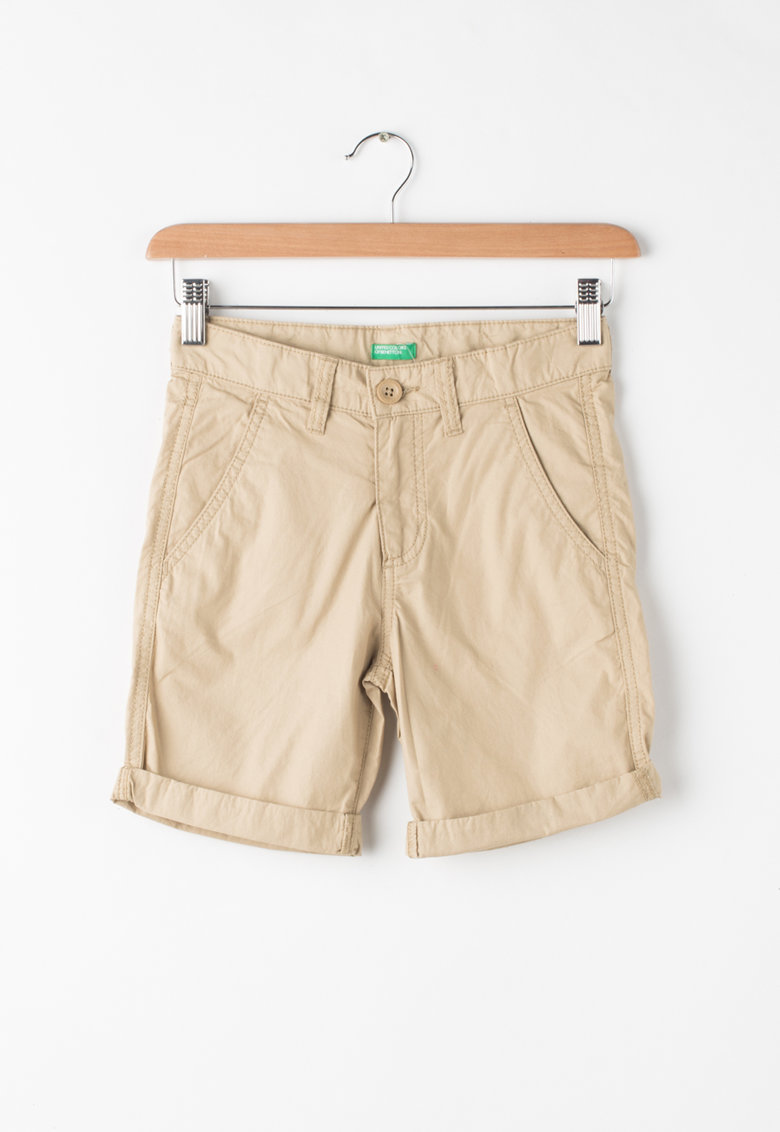Pantaloni scurti cu terminatii rasucite