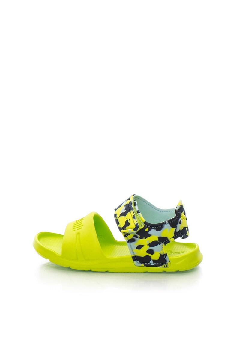 Sandale cu talpa plata si imprimeu camuflaj Wild imagine fashiondays.ro
