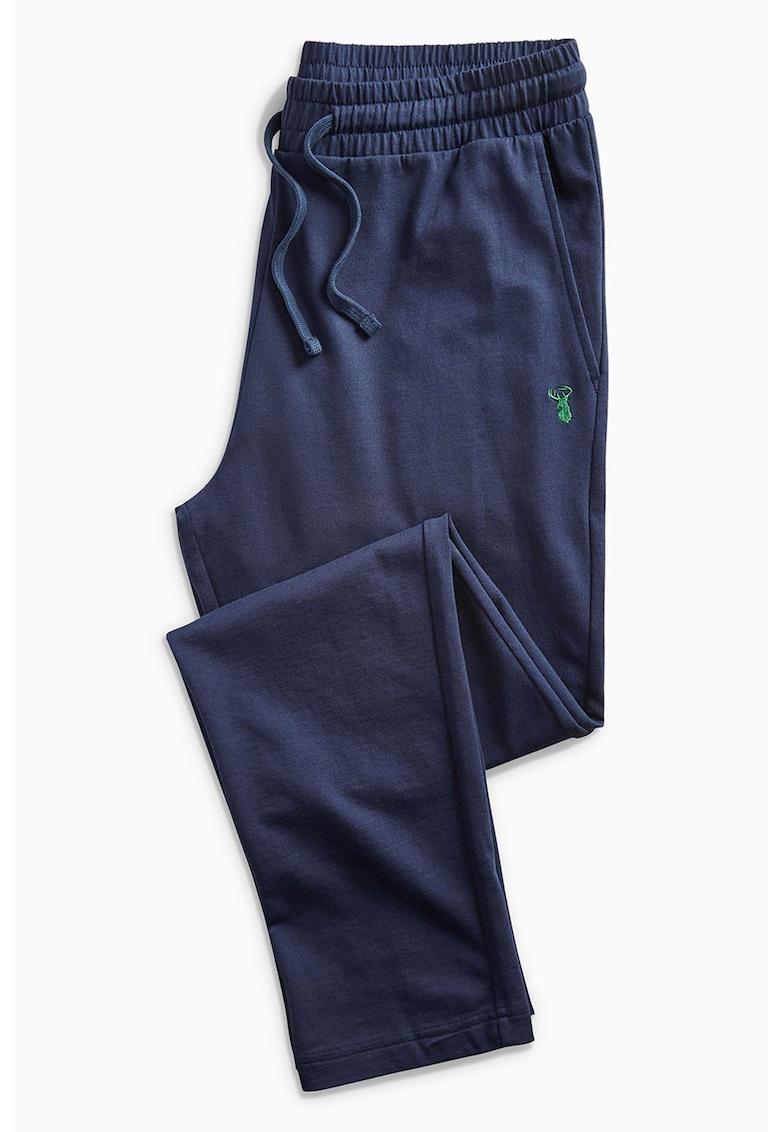 Pantaloni sport conici cu detaliu aplicat brodat de la NEXT