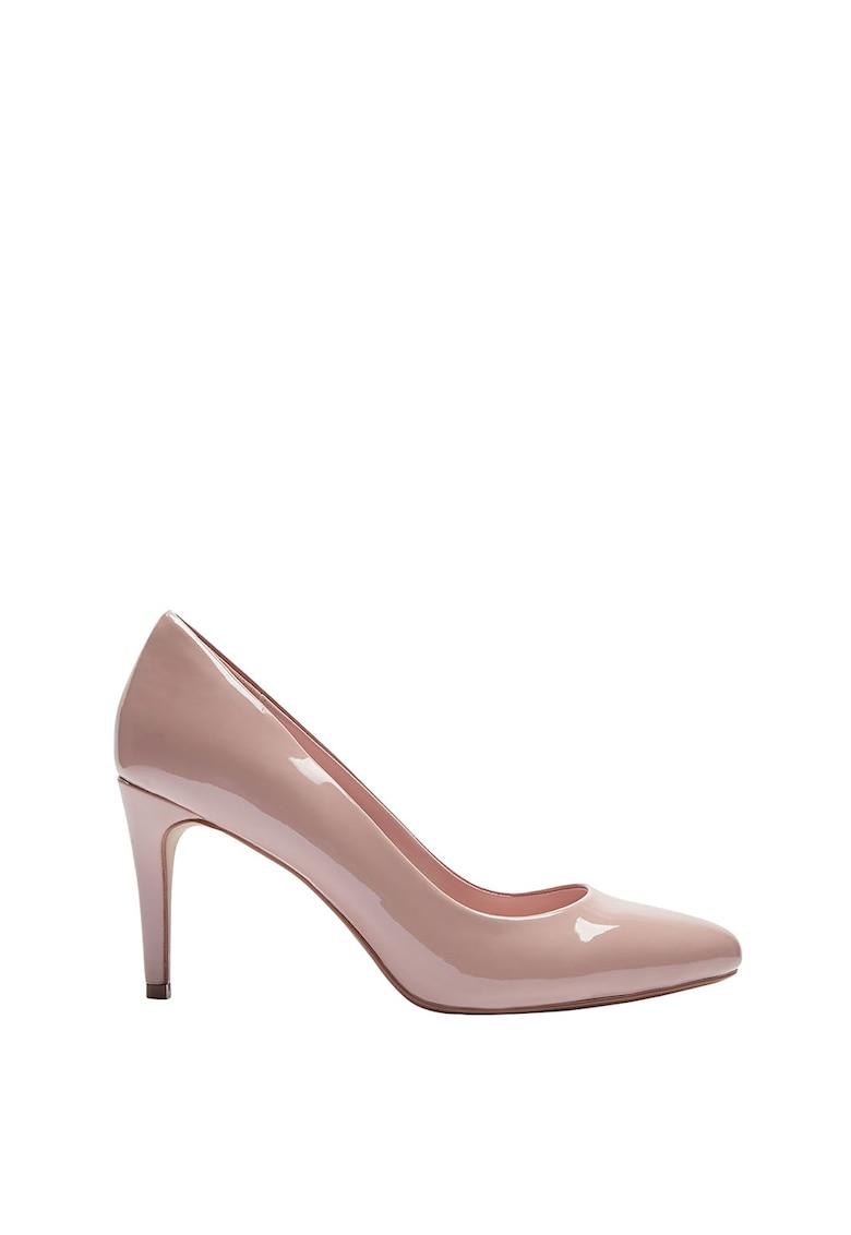 Pantofi cu varf migdalat si aspect lacuit de la NEXT